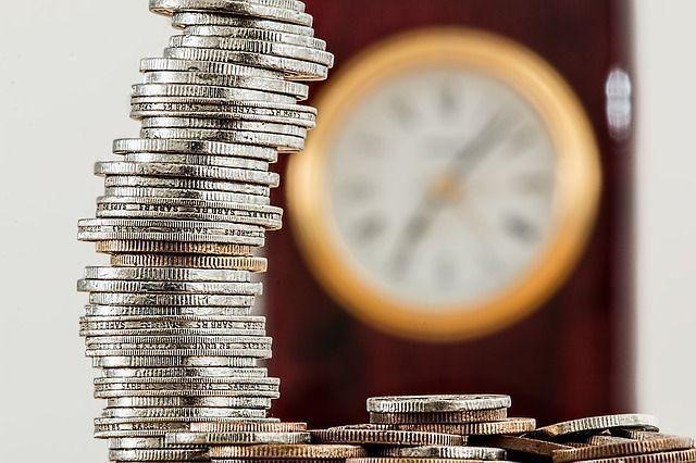 tiempo para ganar dinero en internet