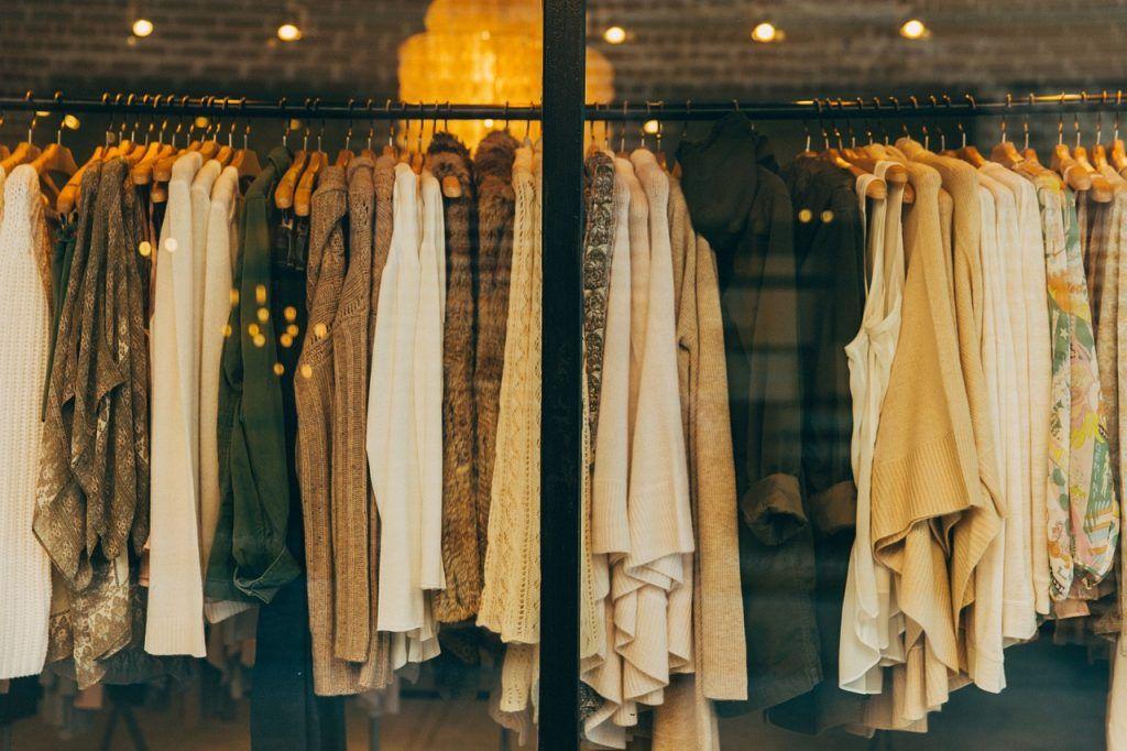 51f8f54c87f9 Vender ropa usada por internet vacía tu armario y gana dinero