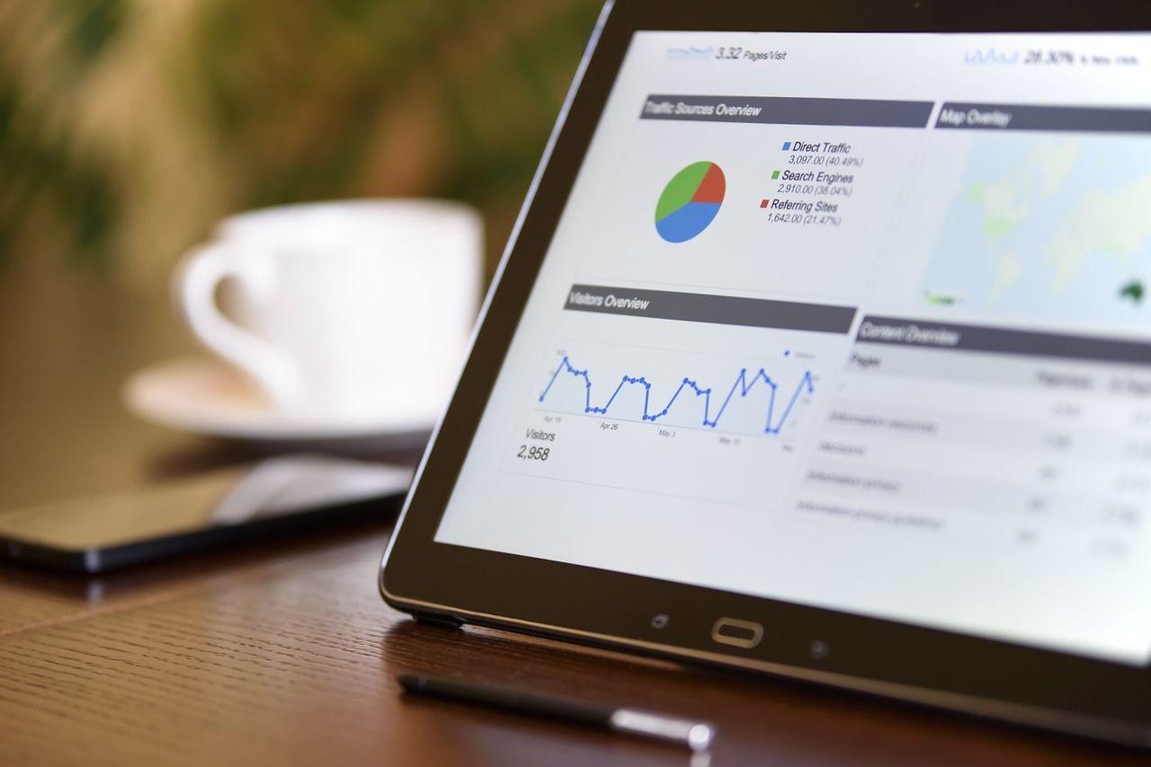 trabajar como analista web desde tu casa